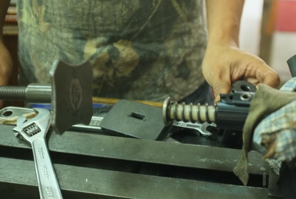 Dismantling HW77 2