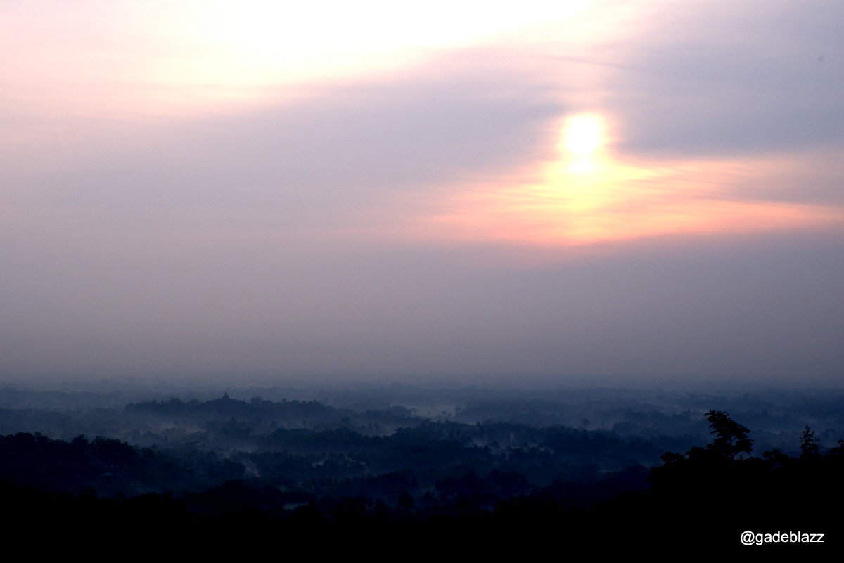 matahari muncul sudah tinggi diatas